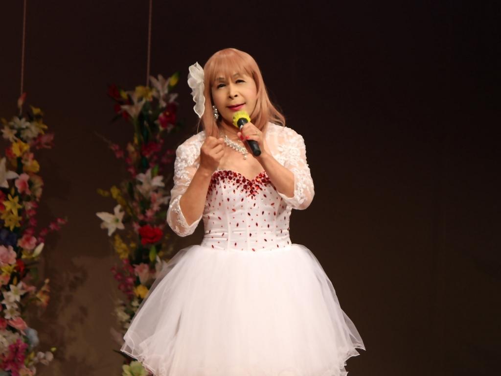 赤ビジュ飾りショートドレス舞台(6)