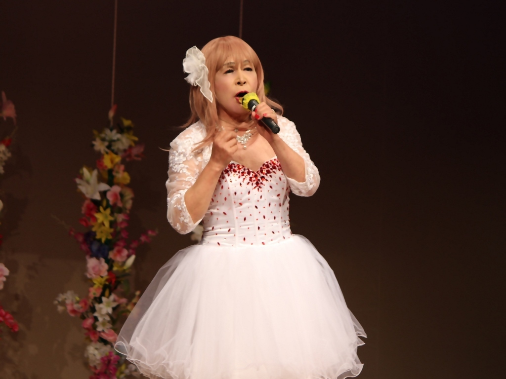赤ビジュ飾りショートドレス舞台(7)