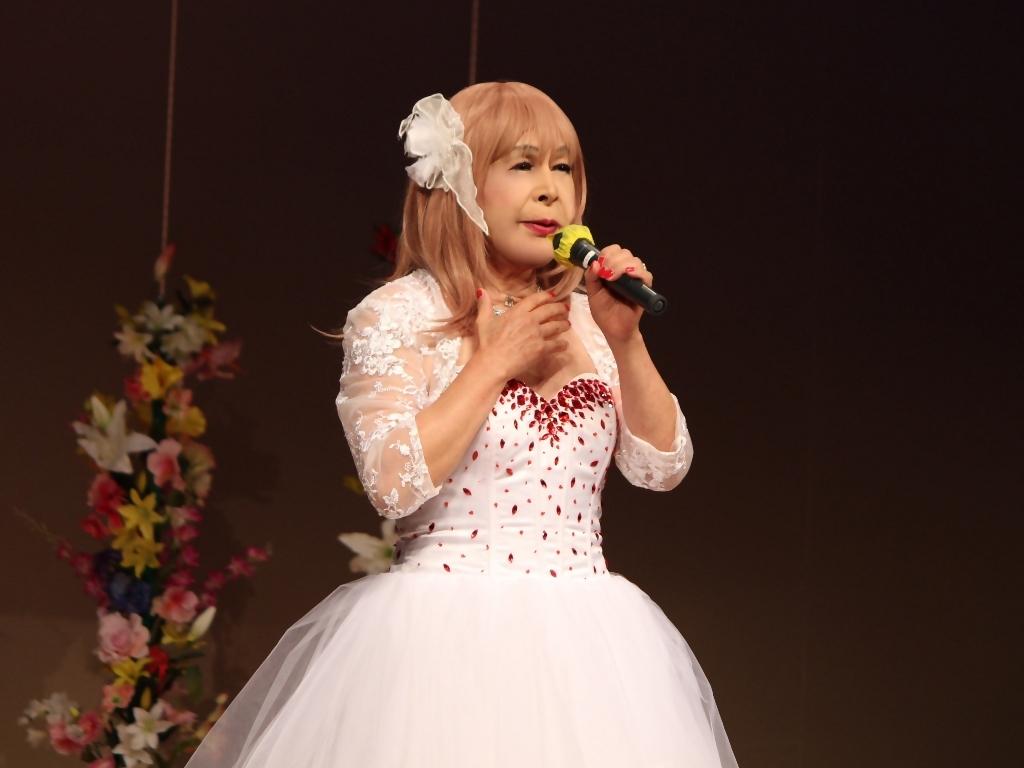赤ビジュ飾りショートドレス舞台(8)
