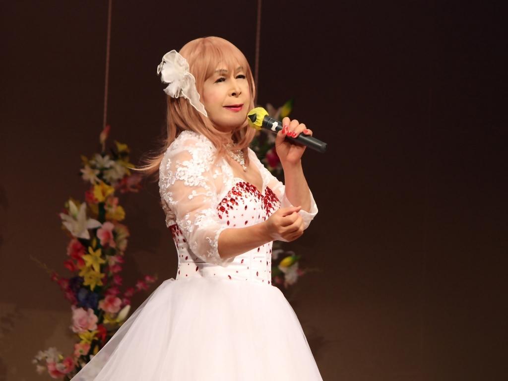 赤ビジュ飾りショートドレス舞台(9)