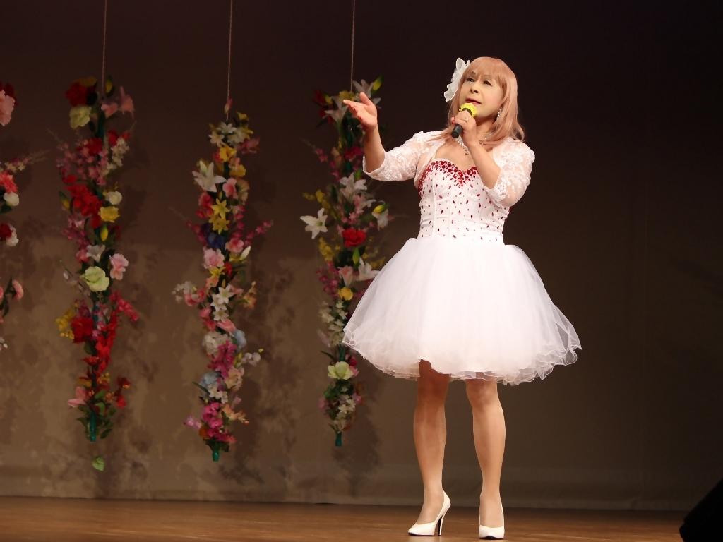 赤ビジュ飾りショートドレス舞台(10)