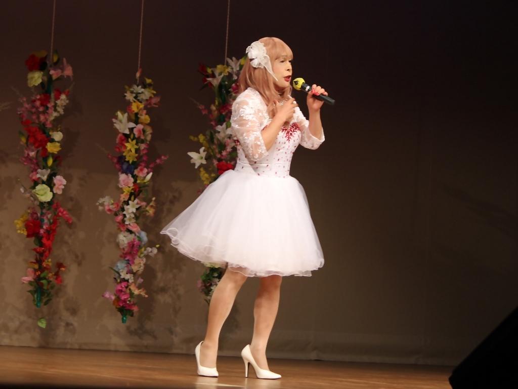 赤ビジュ飾りショートドレス舞台(13)