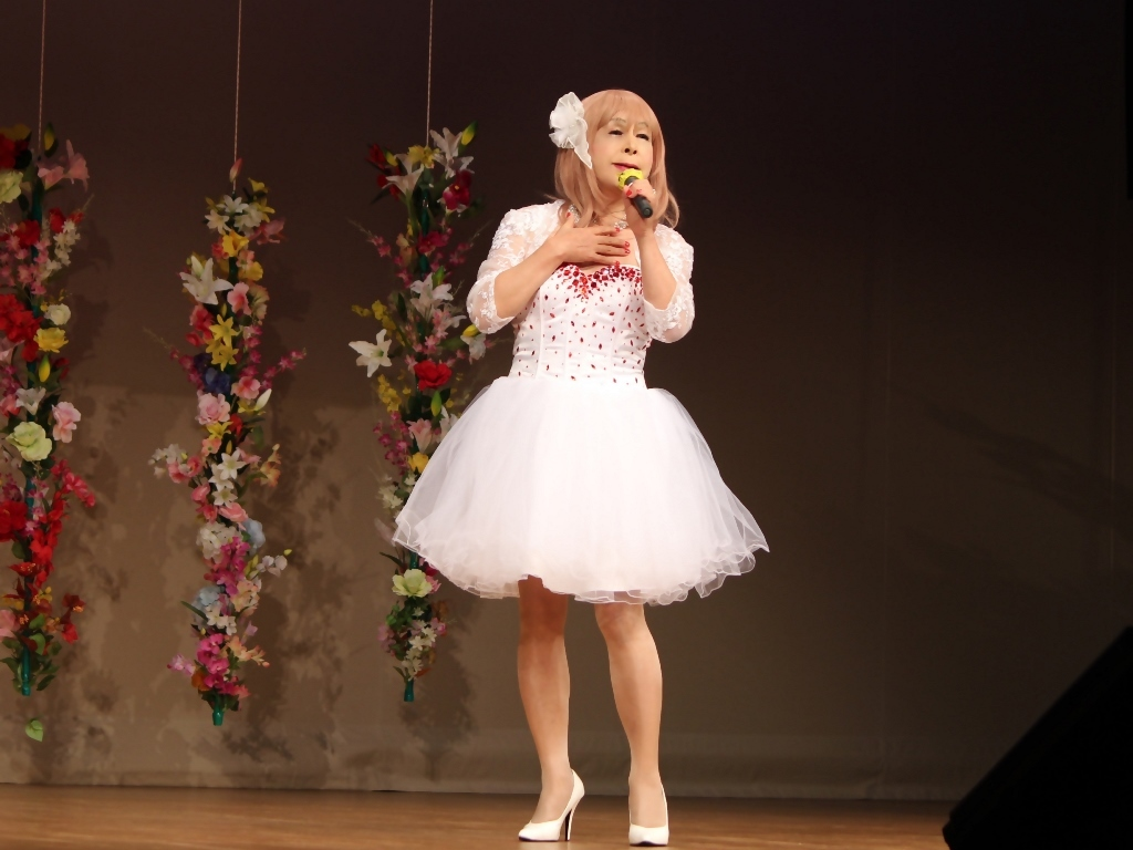 赤ビジュ飾りショートドレス舞台(11)
