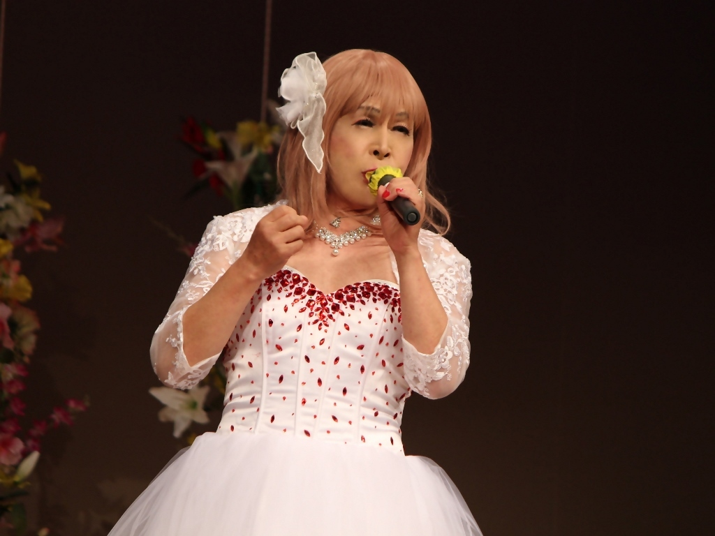 赤ビジュ飾りショートドレス舞台(14)