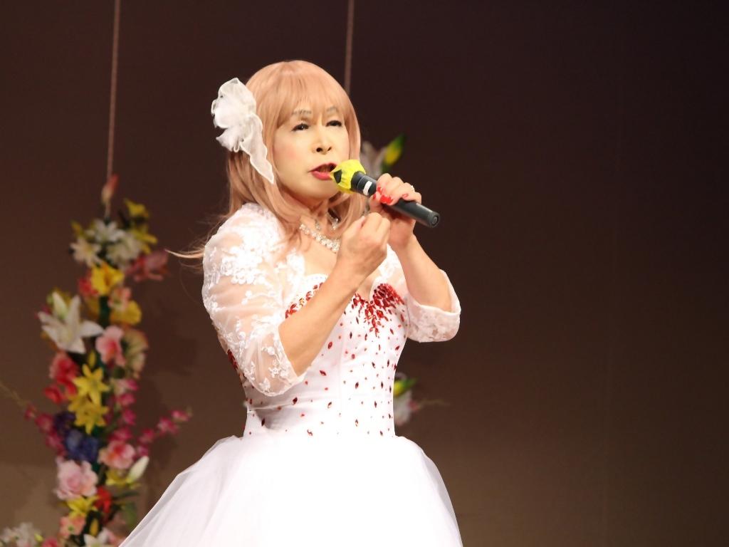 赤ビジュ飾りショートドレス舞台(16)