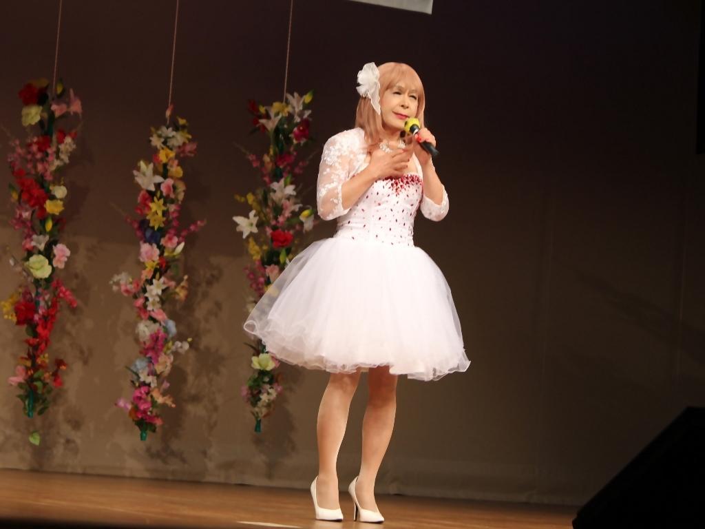 赤ビジュ飾りショートドレス舞台(17)