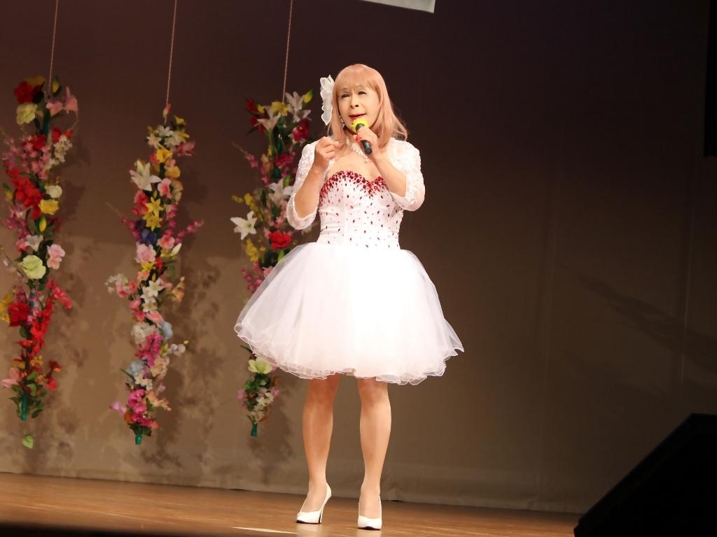 赤ビジュ飾りショートドレス舞台(18)