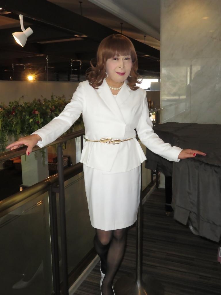 白スーツガーデンパレスA(1)