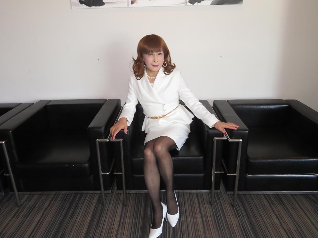 白スーツガーデンパレスA(4)