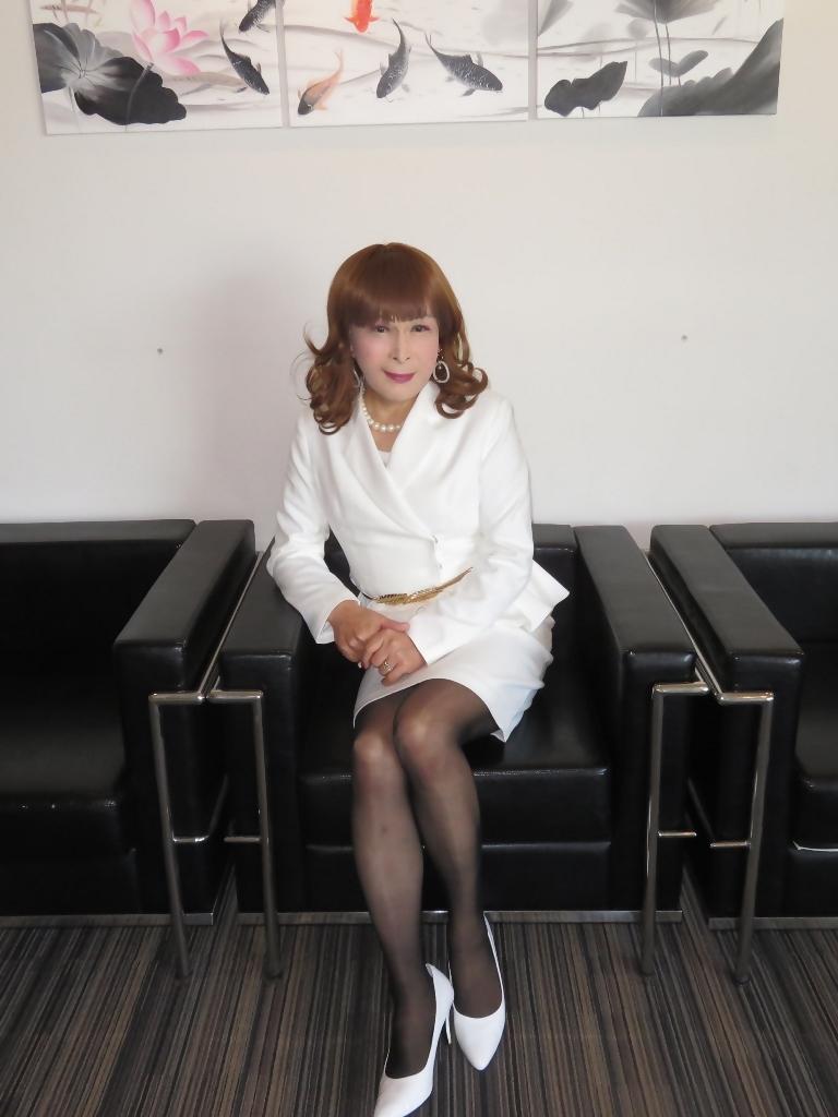 白スーツガーデンパレスA(5)