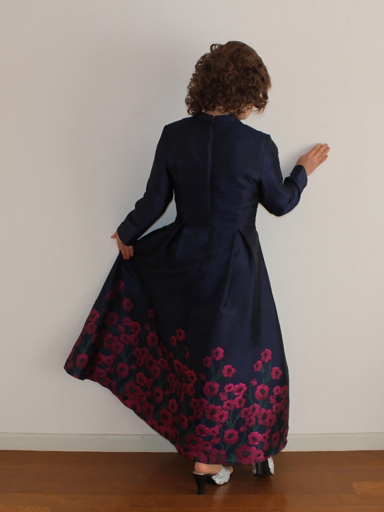 裾花柄紺ロングドレス部屋A(8)