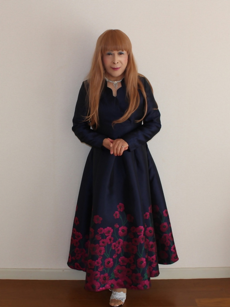 裾花柄紺ロングドレス部屋B(1)