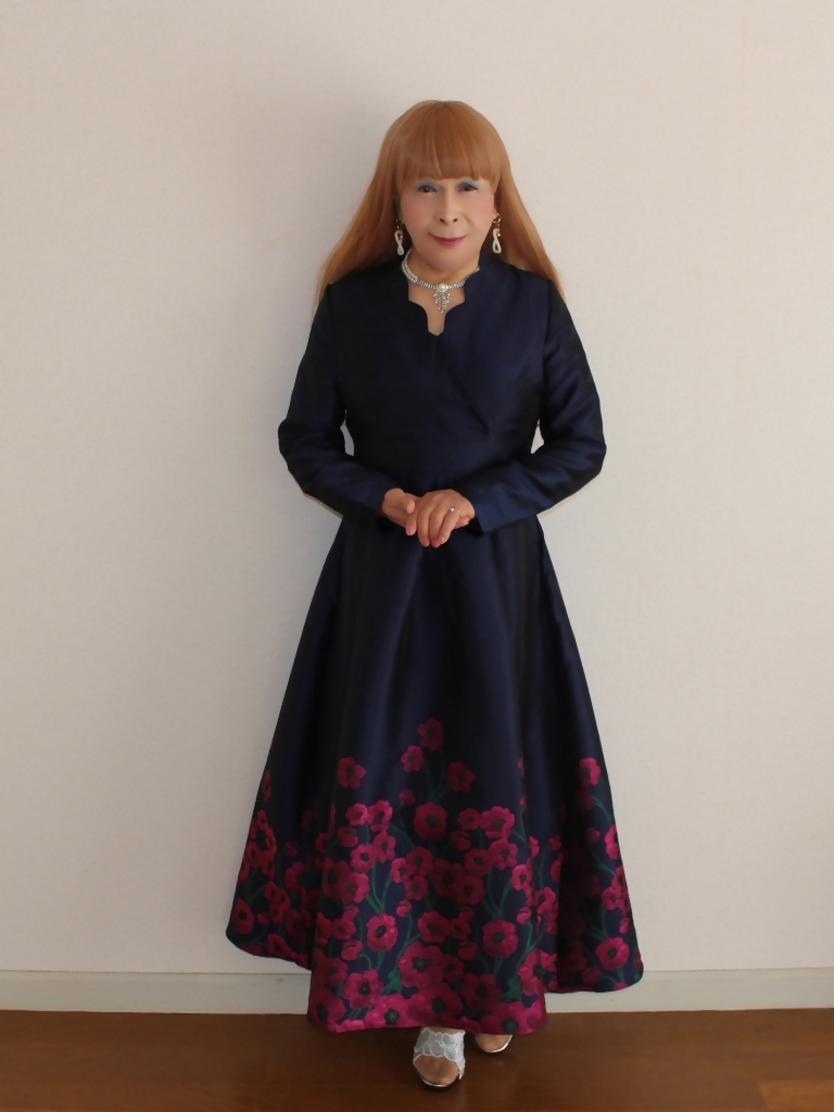 裾花柄紺ロングドレス部屋B(6)