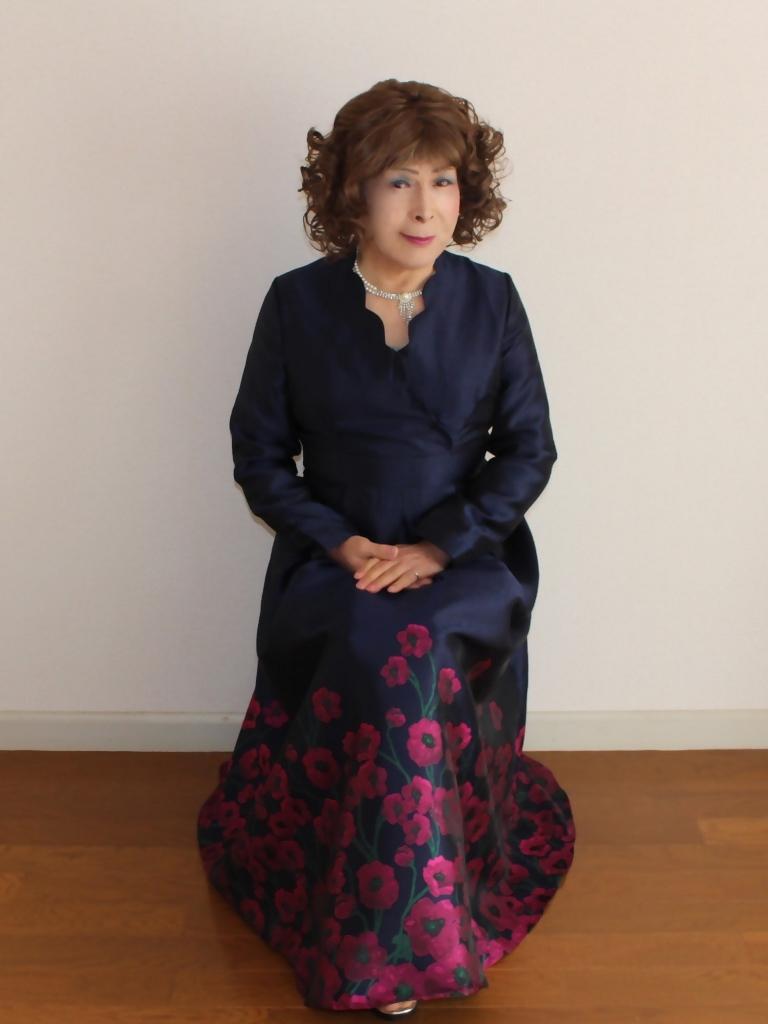 裾花柄紺ロングドレス部屋C(1)