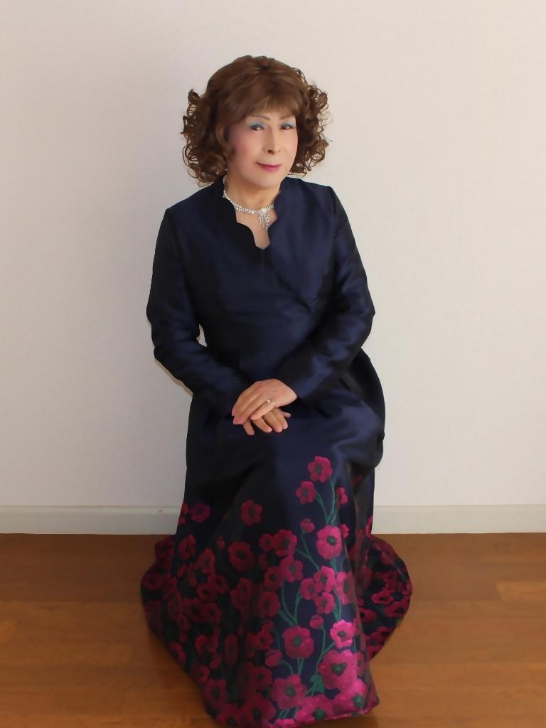 裾花柄紺ロングドレス部屋C(2)