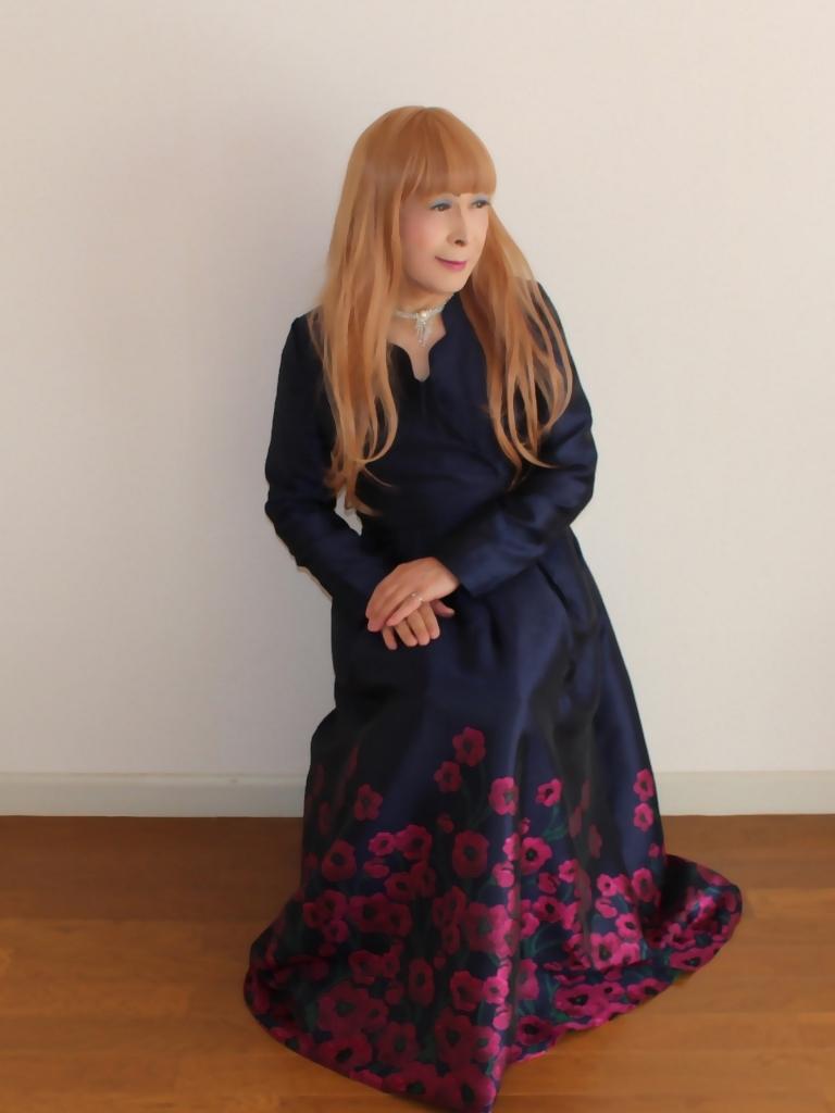裾花柄紺ロングドレス部屋C(5)