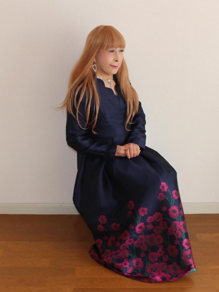 裾花柄紺ロングドレス部屋C(7)