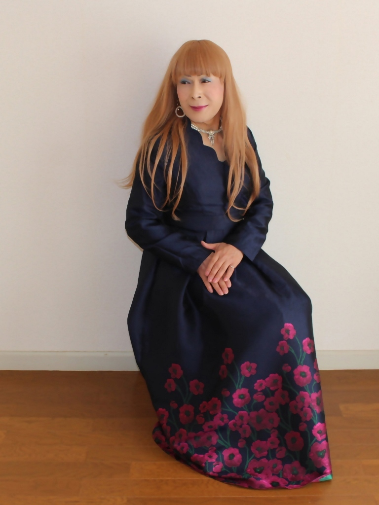 裾花柄紺ロングドレス部屋C(8)