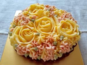 バラ飾りのラズベリーのタルト02