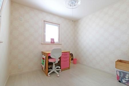 childroom_swedenhome_x18_kobe.jpg