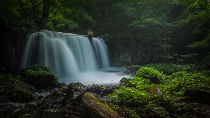 aomori-Choshi_waterfall-m.jpg