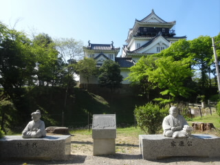 愛知岡崎城家康・竹千代ベンチ像