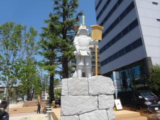 愛知岡崎桜城橋榊原康政像