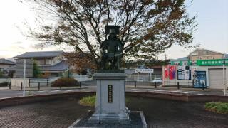 岐阜JR東海道本線垂井駅竹中半兵衛像