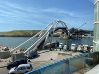 永安漁港の橋200711