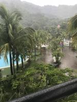 午後雷雨でプール閉鎖200722