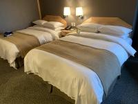 ベッド2台200723