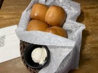焼きたてパンとクリーム200905