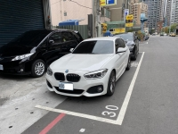 BMW210127