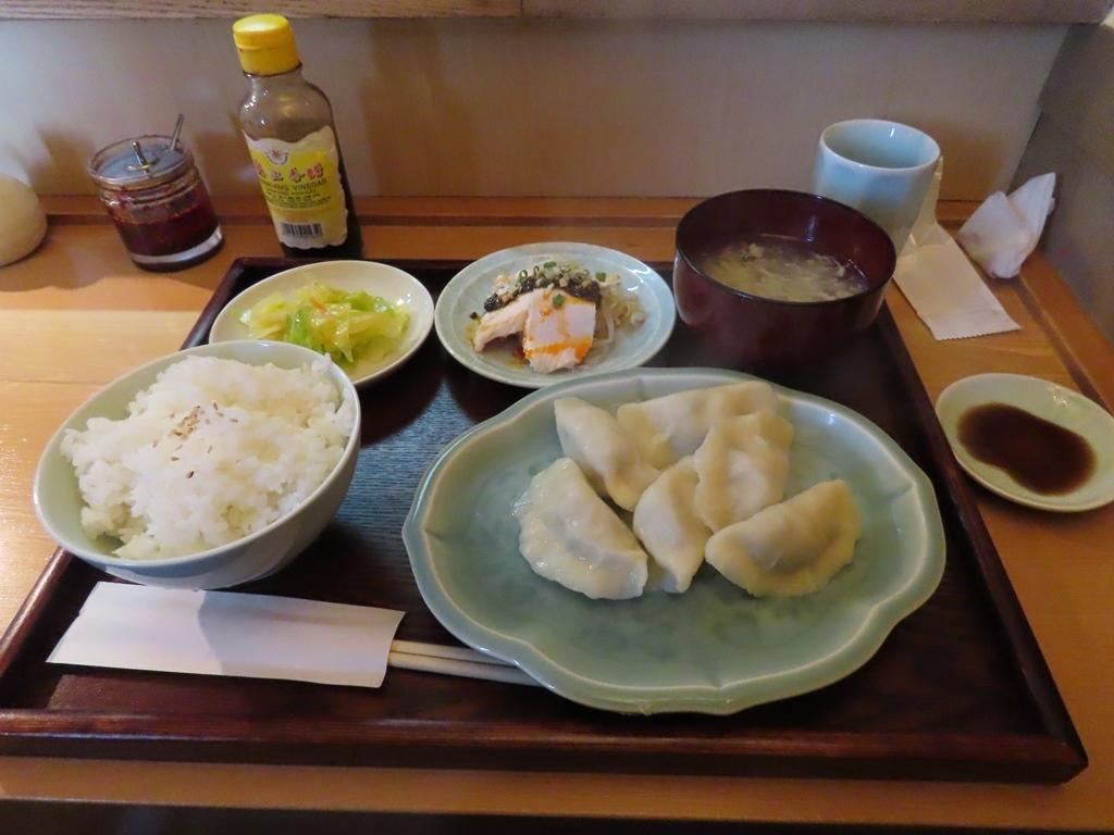 この前の日曜日のお昼ご飯(水餃子定食)
