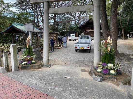 八ツ屋神明社の門松
