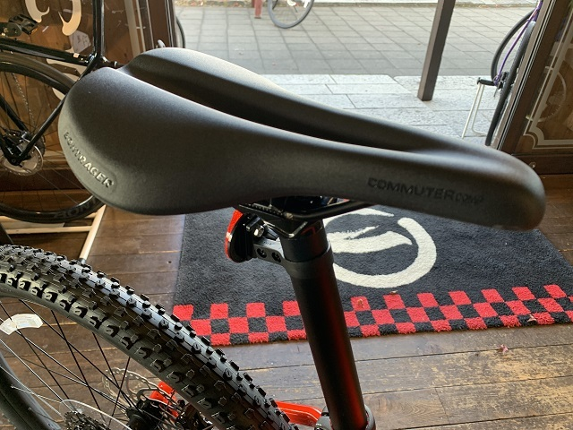 ボントレガー Commuter Comp Bike Saddle (4)