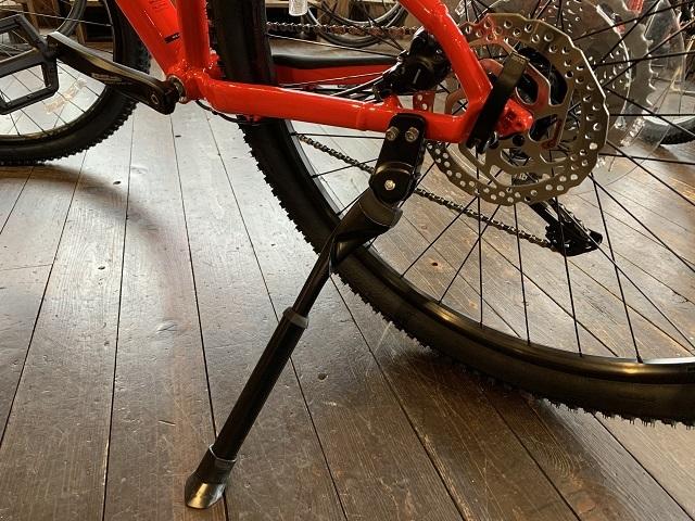 スポーツ自転車キックスタンド
