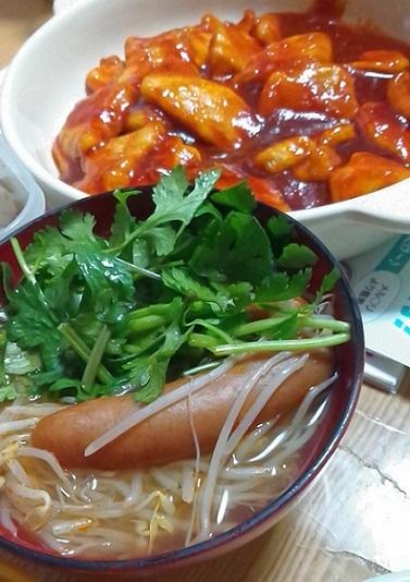 鶏むねチリソース、パクチー鍋