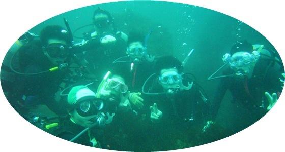 24 水中でポーズ