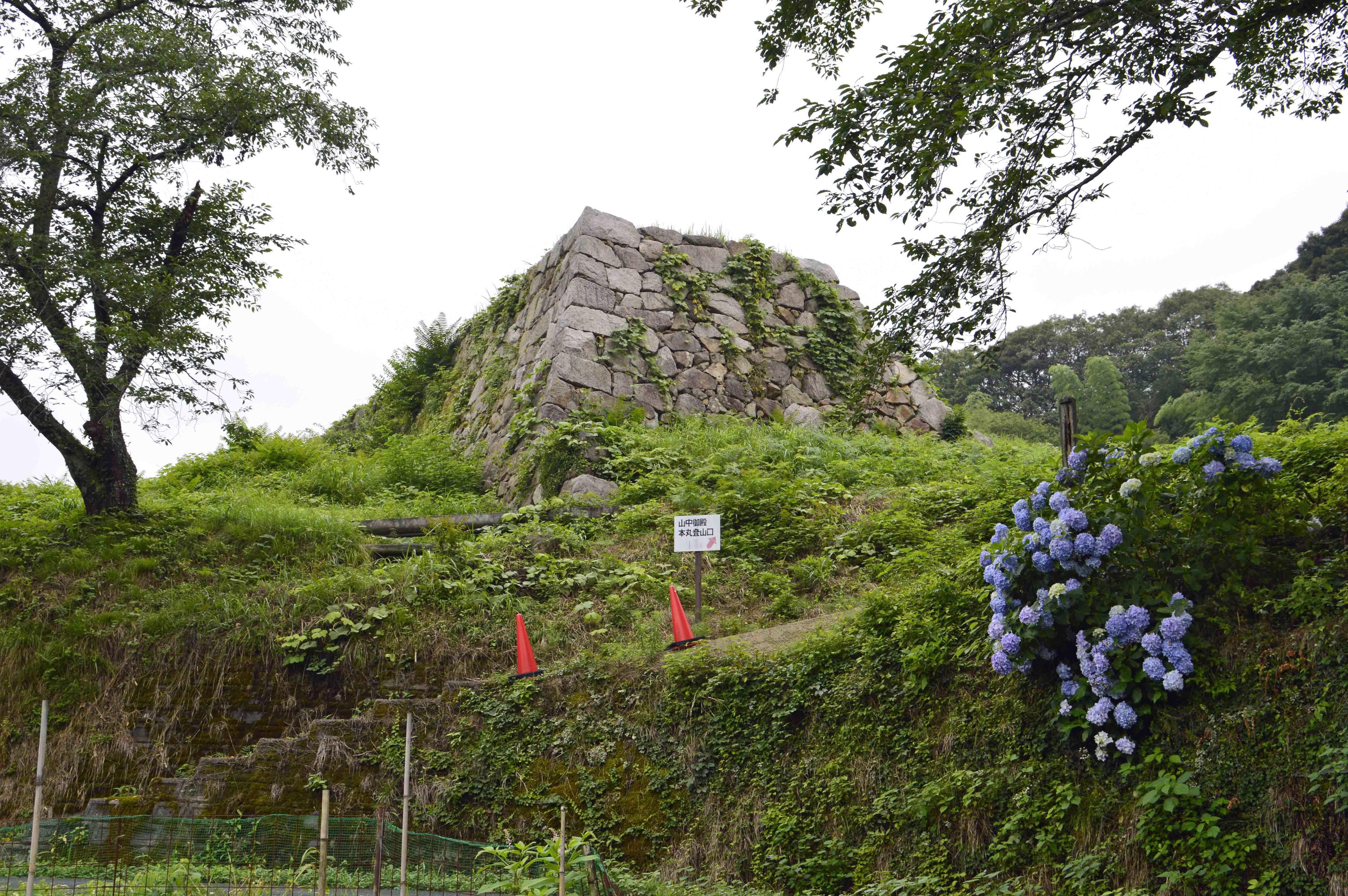 月山富田城 石垣2