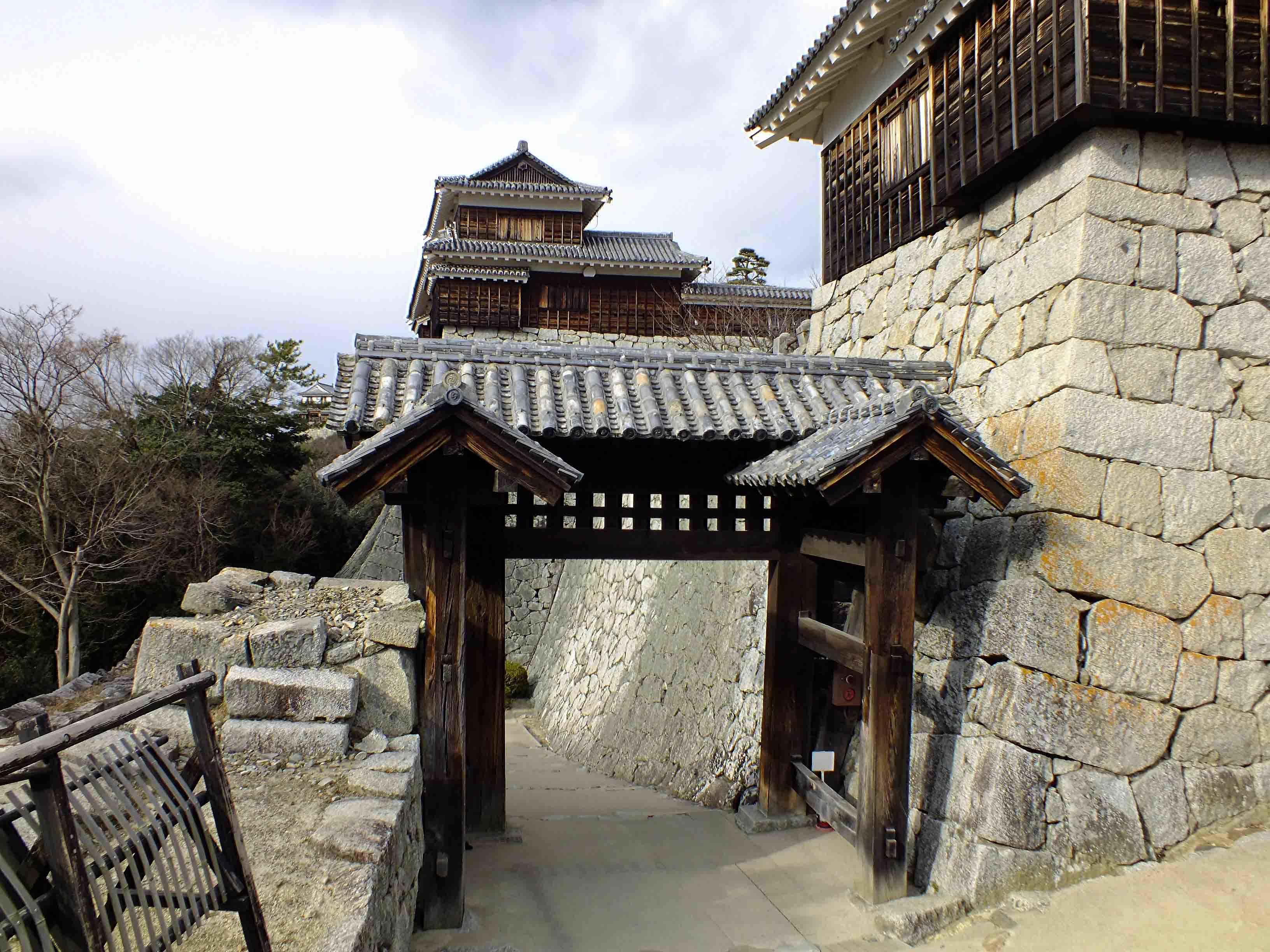松山城 城門1