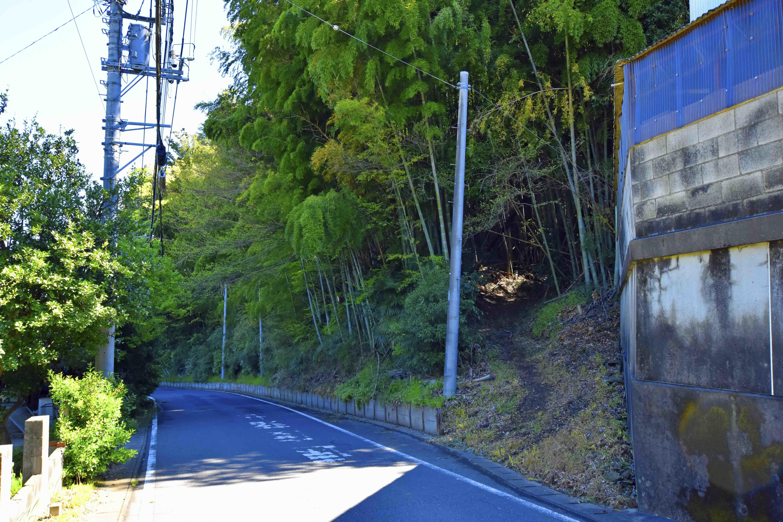 帰りはこの道から降りて来た!郭4の前を通る。