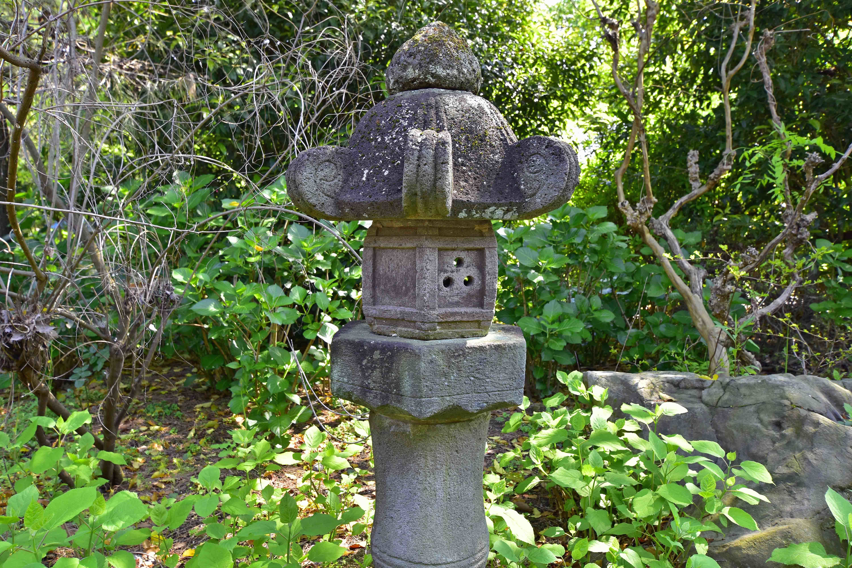 旧河野邸石燈籠