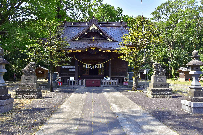 玉敷神社拝殿