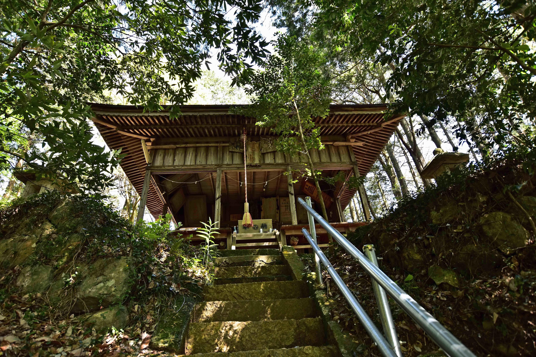3神社拝殿