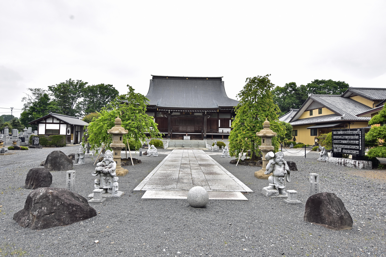 1 東持寺本堂