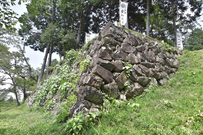 3出丸 石垣