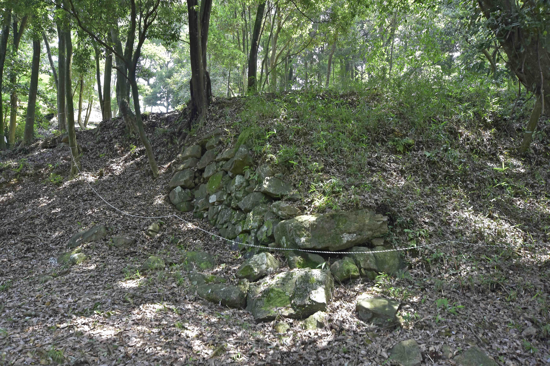 6 破城痕が残る石垣