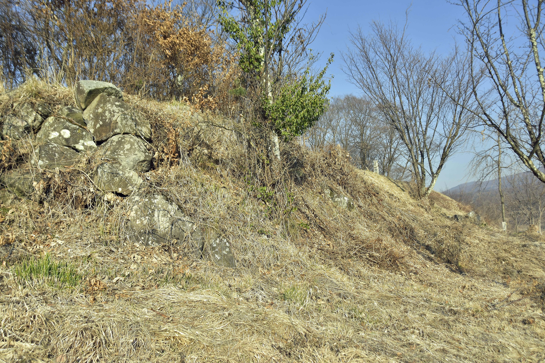 7 郭東側の石積
