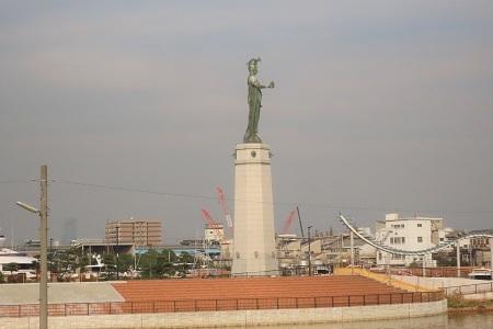 龍女神の像